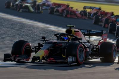 Red Bull Akan Pakai Mesin Honda Sampai 2024