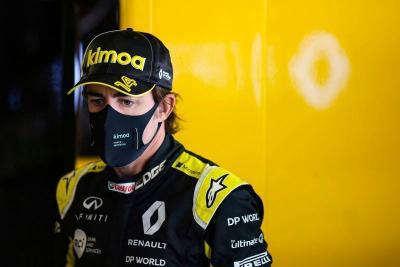 Mulai Membaik, Fernando Alonso Akhirnya Keluar dari Rumah Sakit