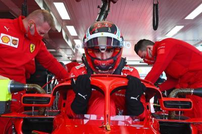 Lupakan Juara Dunia, Target Sainz Jr Hanya Kejar Leclerc