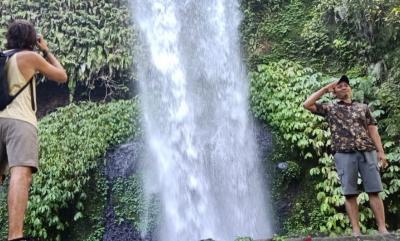 Pesona Surga Wisata Alam di Kaki Gunung Rinjani