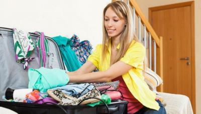 Tips Packing Efektif ala Pramugari, Muat Banyak & Antiribet
