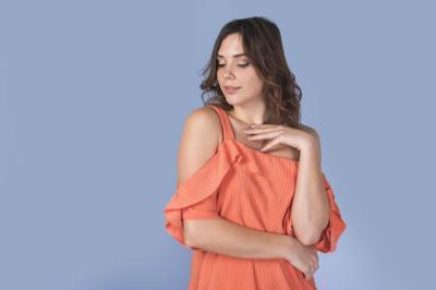 5 Tips Memilih Blouse Sesuai Bentuk Badan