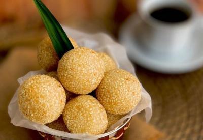 Kuliner Wajib saat Perayaan Cap Go Meh, Lontong hingga Onde-Onde