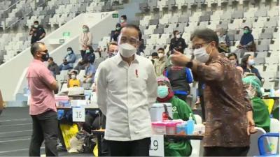 Presiden Jokowi Diagendakan Tinjau Vaksinasi Covid Wartawan di GBK Hari Ini