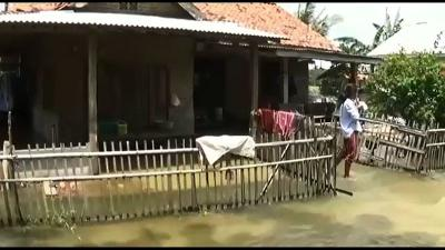 Hampir Sebulan, Pantai Harapan Jaya Muaragembong Terendam Banjir