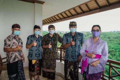 Sandiaga Uno Dorong Penyelamatan Pramuwisata di Pulau Dewata