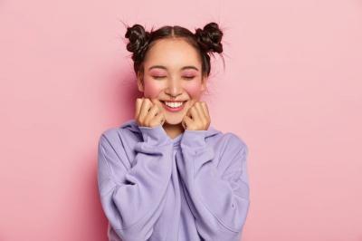 7 Inspirasi Makeup Nuansa Pink, Cocok untuk Semua Warna Kulit