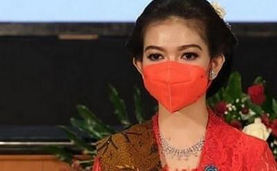 Selvi Ananda Anggun Berkebaya Merah, Netizen: Ayune Tumpuk Undung