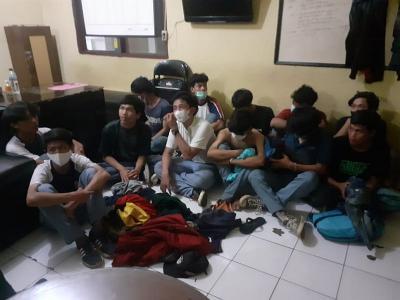 Diduga Hendak Tawuran, 18 Pelajar Bawa Sajam Diamankan Polisi