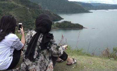 Nikmati Eksotisme Danau Toba dari Bukit Singgolom yang Pernah Disambangi Raja Belanda