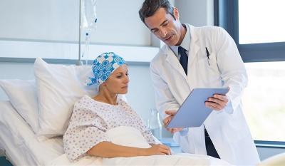 Pengobatan Pasien Kanker Paru Tak Hanya Obat dan Terapi
