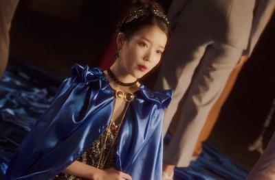 Lagu Baru Kang Daniel Gagal Lengserkan IU dari Puncak Gaon Chart