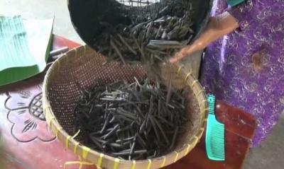 Ampo, Camilan Unik dari Tanah Liat Khas Tuban