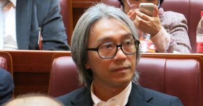 Tepis Rumor Berselisih, Stephen Chow Tunjukan Kepedulian pada Ng Man Tat