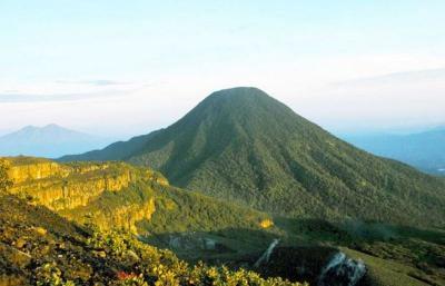 Gunung Gede Pangrango, Wisata Taman Nasional Terpopuler di 2020