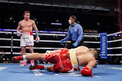 Canelo Alvarez Memang Ingin Menang TKO atas Avni Yildirim