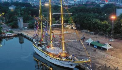 Berlabuh di Cirebon, Masyarakat Bisa Sambangi KRI Dewaruci