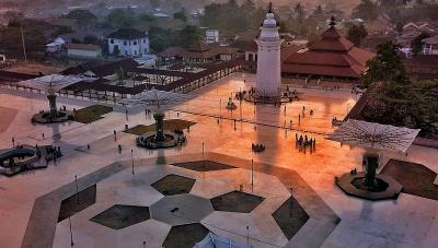 Masjid Agung Banten, Wisata Ziarah Peninggalan Putra Sunan Gunung Jati