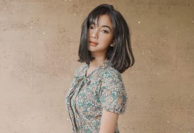Pesona Glenca Chysara Berbalut Dress Bikin Susah Benci Elsa, Netizen: Tante Frozen Cantik