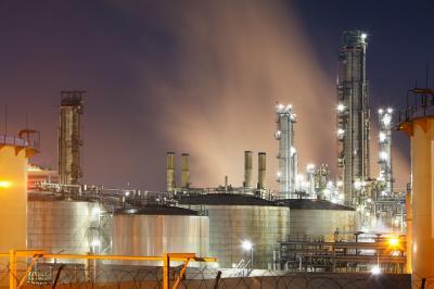 Harga Minyak Jatuh Gegara China dan OPEC
