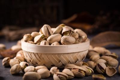 Kenali 10 Efek Samping Terlalu Banyak Makan Kacang Pistachio