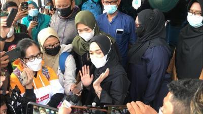 Ririe Fairus Enggan Komentari Isu Nissa Sabyan Jadi Istri Siri Ayus