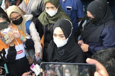 Ririe Fairus Minta Publik Berhenti Hujat Ayus dan Nissa Sabyan