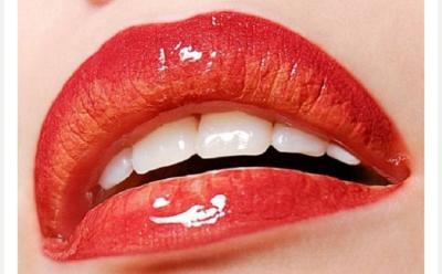 Tips Mengubah Lipstik Matte Jadi Glossy Kurang dari Semenit