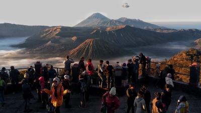 Sandiaga Uno Bakal Buka  Travel Bubble dengan Syarat Ketat