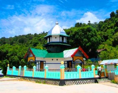 Fakta-Fakta Menarik Masjid Tua di Tanah Papua, Pernah Dihantam Bom Jepang