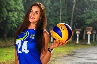 Kristina Karapetyan dan Kartika Berliana Tampil Memikat saat Berlatih di Gym