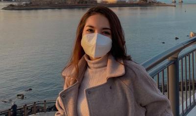 Pramugari Sisi Asih Ingatkan Pakai Masker, Netizen: Mata yang Berbicara