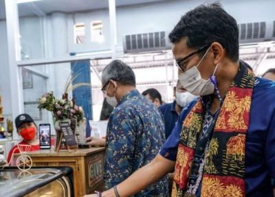Pelaku Pariwisata Sulut Divaksin Covid-19, Sandiaga Uno: Motivasi untuk Bangkit