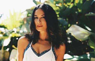 Pose Yoga Sophia Latjuba Bikin Heran Yuni Shara, Netizen: Kalajengking Menggoda