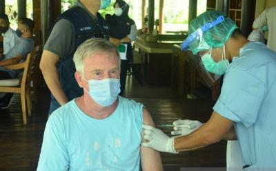 Seratusan Pelaku Pariwisata di Lombok Divaksinasi COVID-19