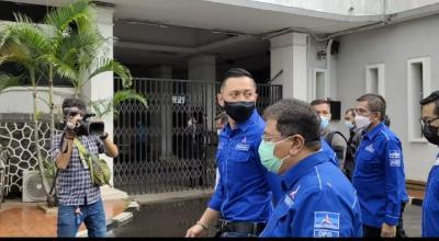 AHY Tiba di KPU, Polisi Minta Pendukung Putar Balik ke Kantor Demokrat