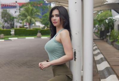 Sama-Sama Jadi Pembawa Acara, Cantik Mana Vicky Piria atau Maria Vania?