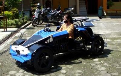 Keren, Siswa SMA Muhammadiyah Kembangkan Mobil Buggy Bertenaga Surya
