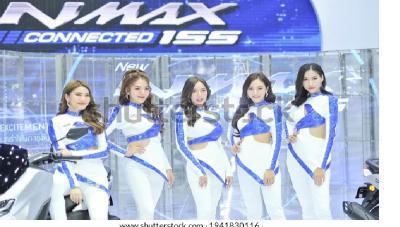 Tak Lagi Mengenakan Masker, SPG Bangkok Motor Show Terlihat Cantik Menawan