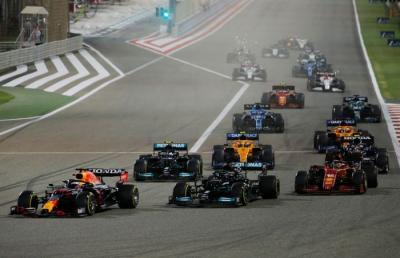 Hasil Race F1 GP Bahrain 2021: Hamilton Menangi Persaingan Sengit atas Verstappen
