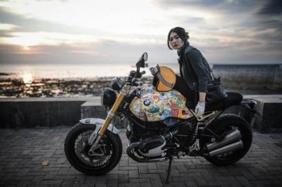 5 Artis Wanita Indonesia Ini Ternyata Hobi Mengendarai Moge
