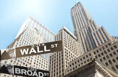 Wall Street Lanjutkan Penguatan, S&P 500 dan Dow Jones Cetak Rekor