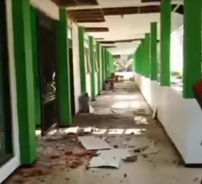 SMA Turen Malang Luluh Lantak Dihantam Gempa Besar