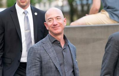 Persaingan Ketat Jeff Bezos vs Elon Musk Perebutkan 'Kursi' Orang Terkaya Dunia