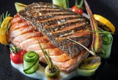 Menu Diet Sehat Wajib Coba, Grilled Salmon dengan Saus Lemon