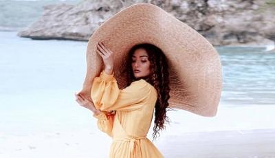 5 Potret Siti Badriah Berbalut Dress Desainer Indonesia, Artis Cinta Produk Lokal Nih!