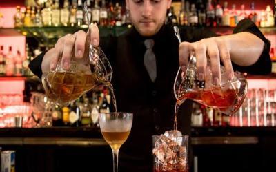 Bartender Hati-Hati, Sudah Ada Robot yang Jago Olah Minuman Loh