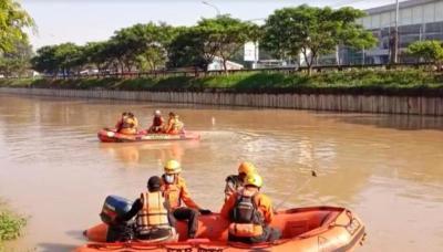 Seorang Remaja Tenggelam saat Berenang di Kalimalang