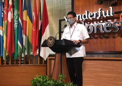 Sandiaga Uno Ajak Agen Perjalanan Bikin Paket Wisata Khusus Tenaga Kesehatan
