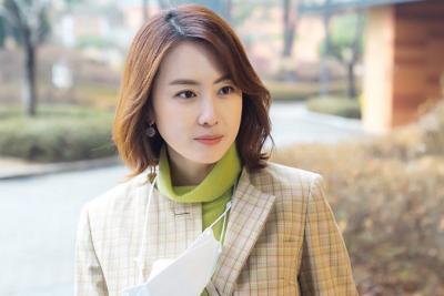 Hong Eun Hee Kontak dengan Pasien COVID-19, Syuting Revolutionary Sisters Ditunda